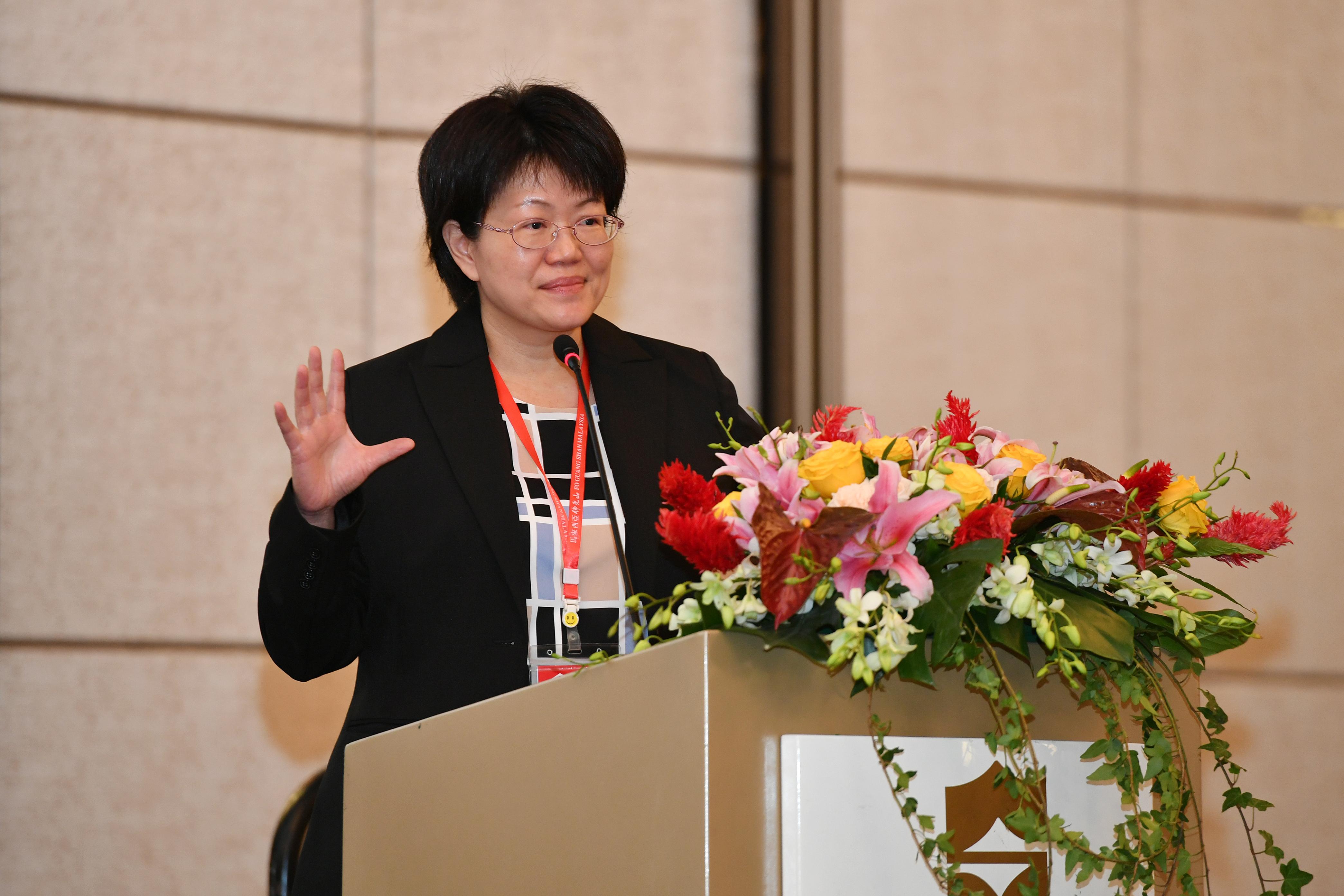 台湾《人间福报》社长金蜀卿分享,正能量来自于心的力量。